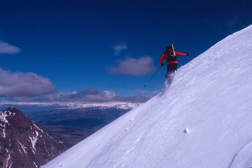 David Roberts skiing a cornice above the Iba?z valley, Chilean Patagonia